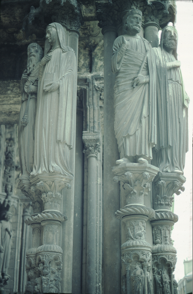 • Statues: OT figures, but identity unknown.
