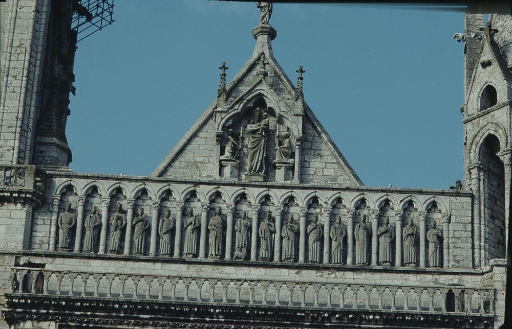 Chartres, west side, Gallery of the Kings