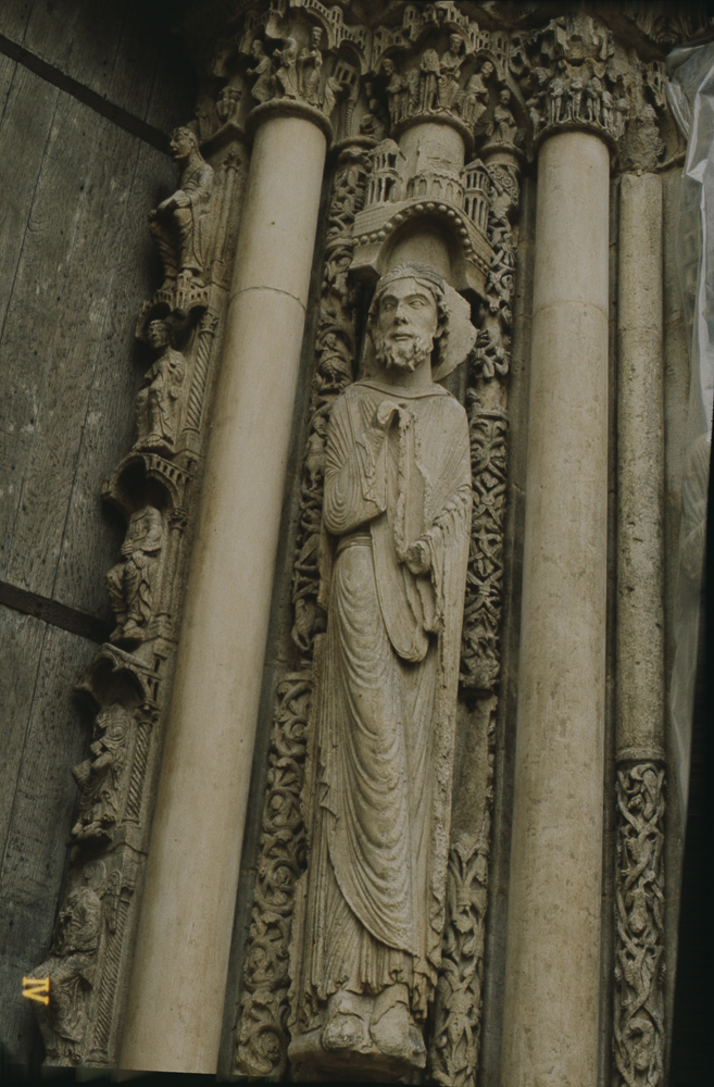 Chartres west side, left portal, right hand side• Moses.