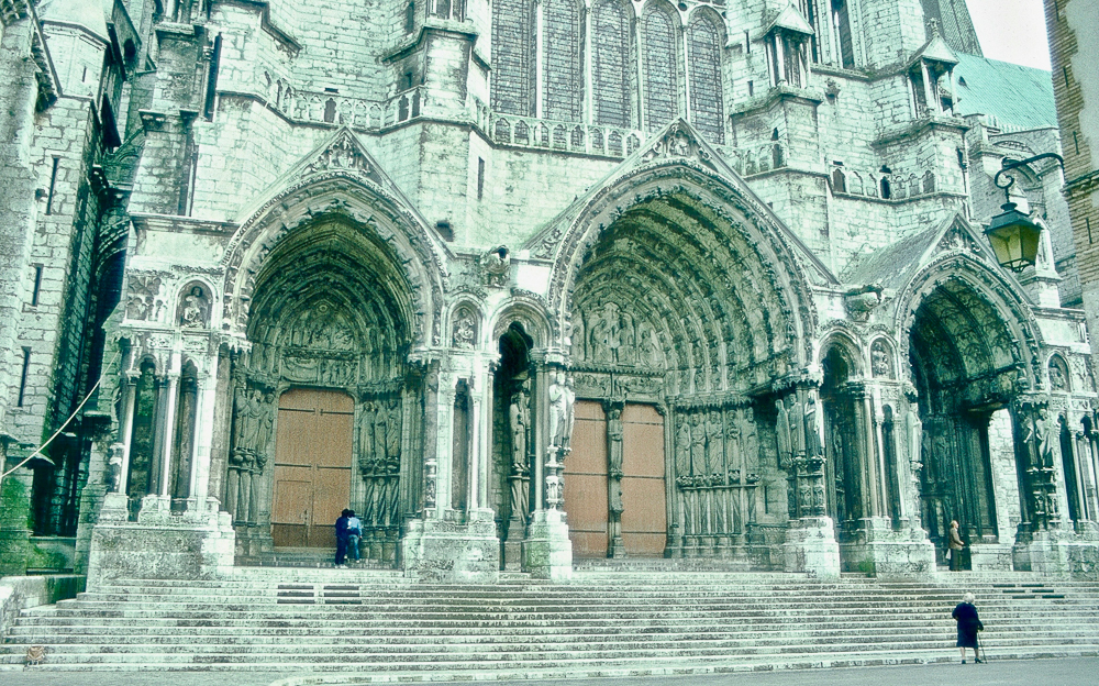 Chartres, north side