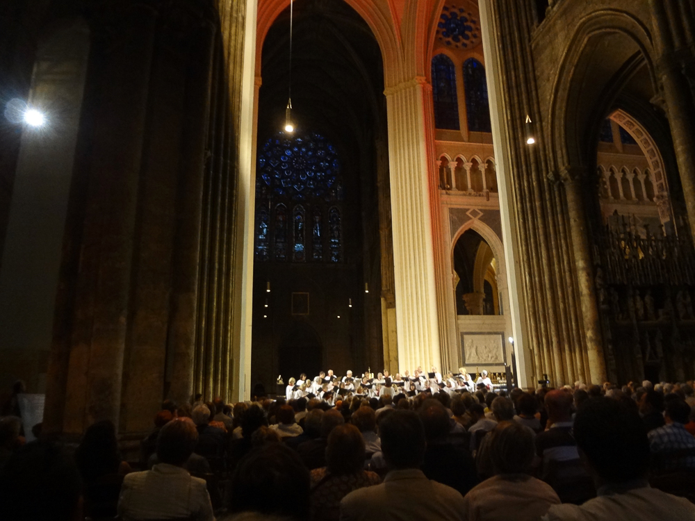 American choir in Chartres cathedral