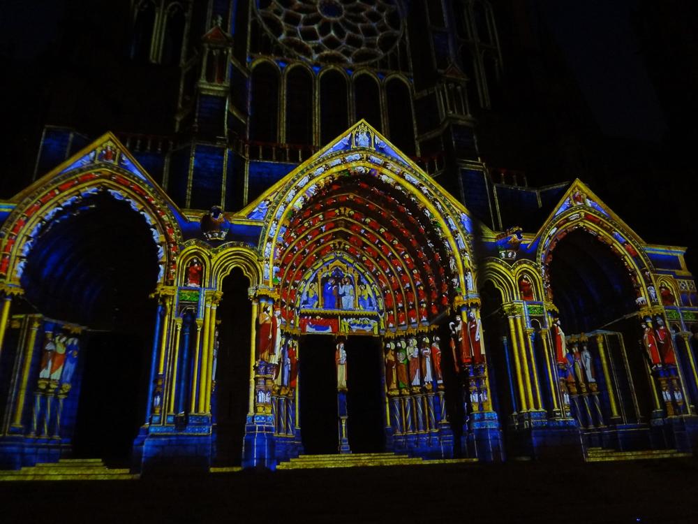 Chartres, north side, night illumination