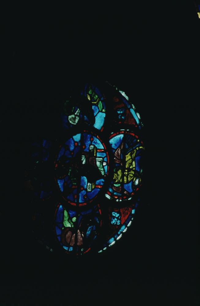 Window 055 - Jesus, angels, apocalyptic beasts (occulus).