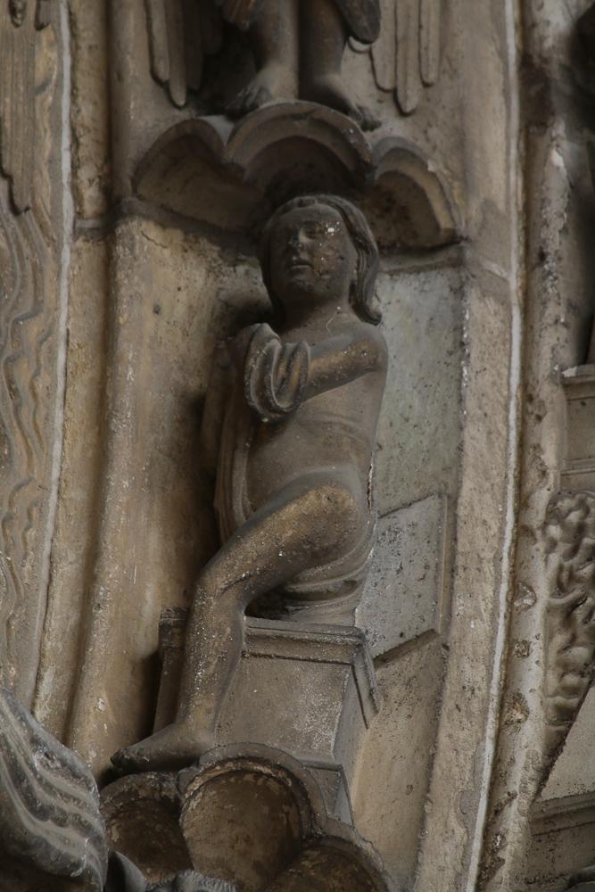 Chartres, south side, center, archivoltLast judgment. Resurrection
