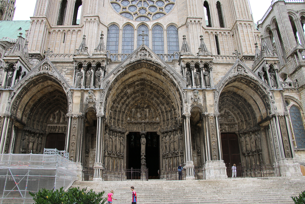 Chartres, south side